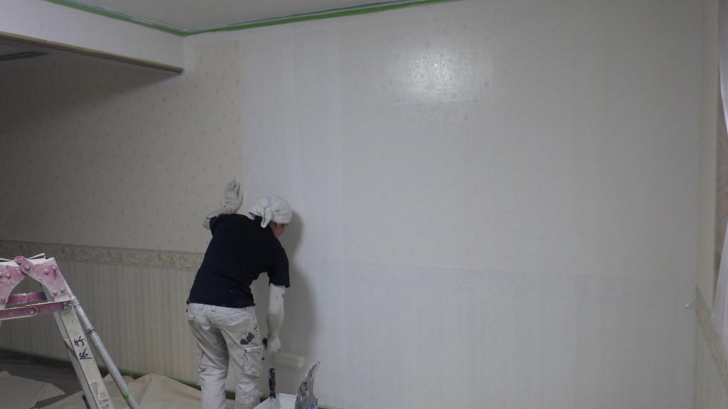 壁シーラー塗り